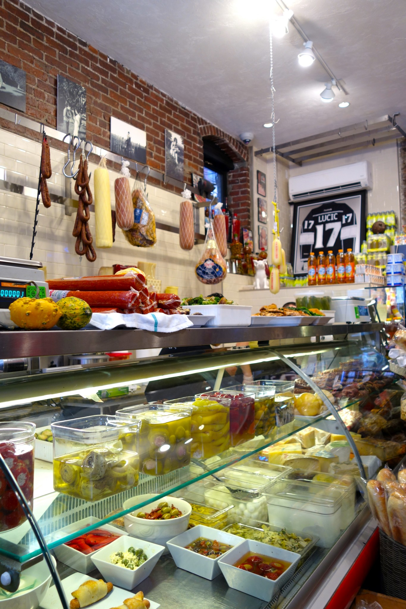 monica's mercato - the-alyst.com