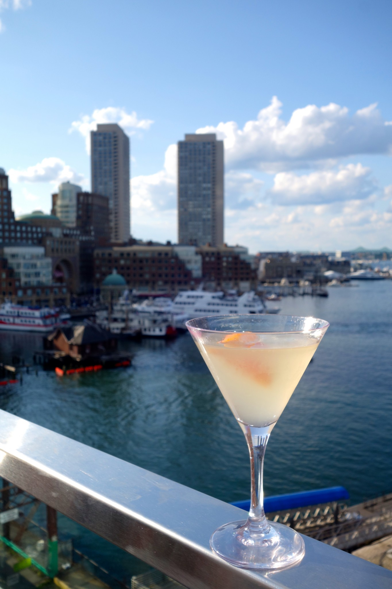 rooftop bars, boston, lookout rooftop, the envoy hotel, the-alyst.com