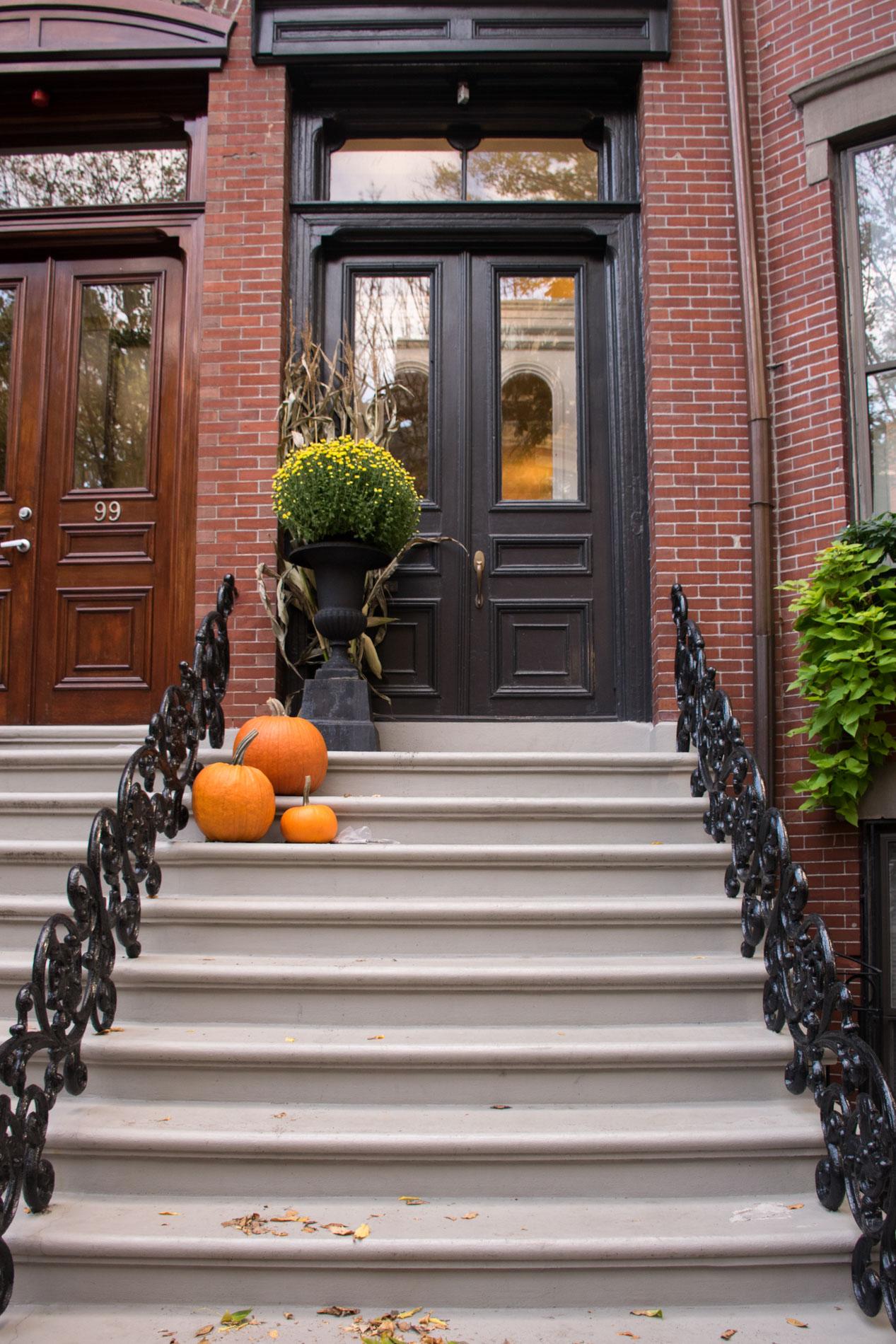 fall decor boston, stoop, the-alyst.com