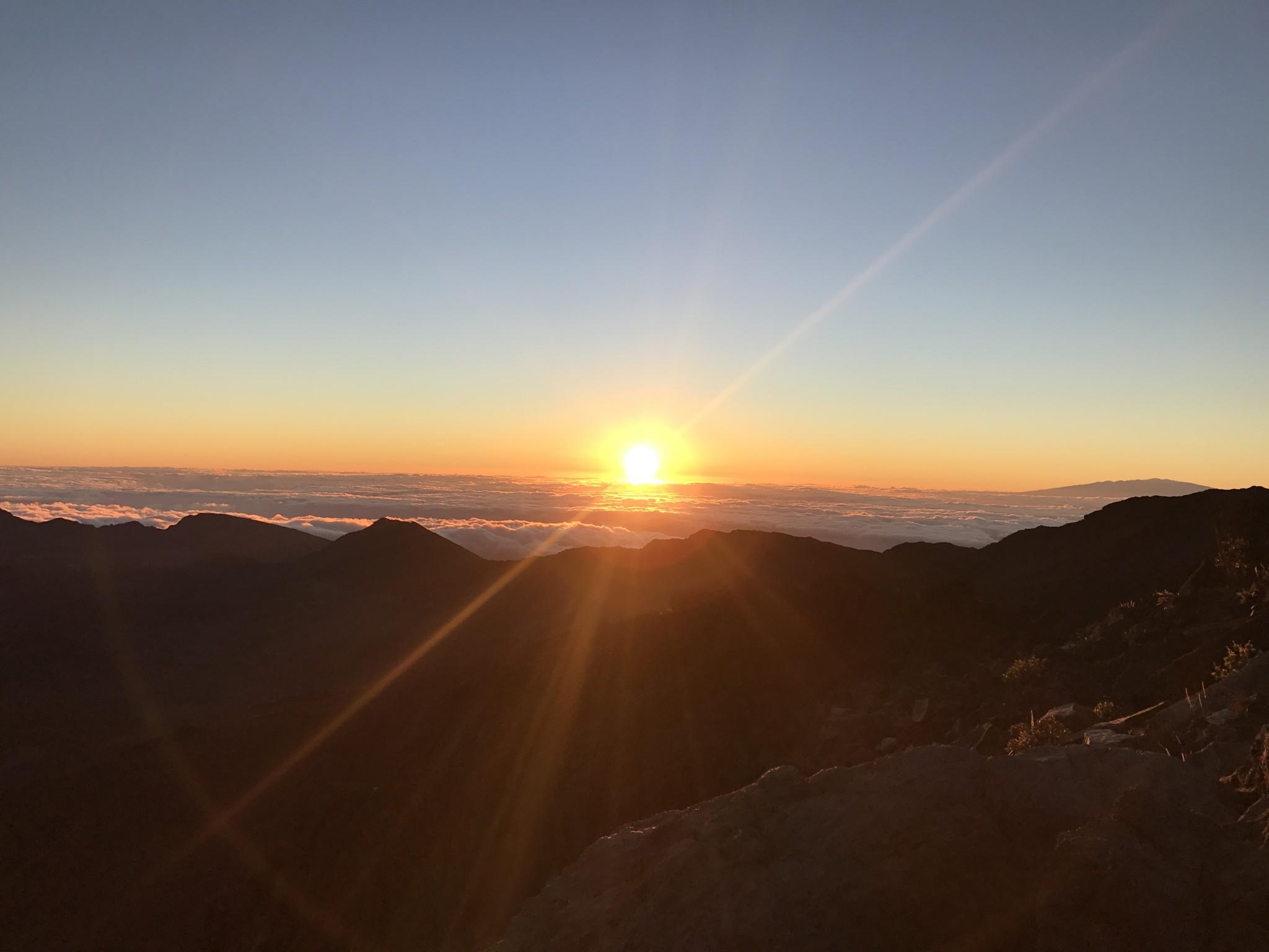 sunrise at haleakala national park, maui, the-alyst.com