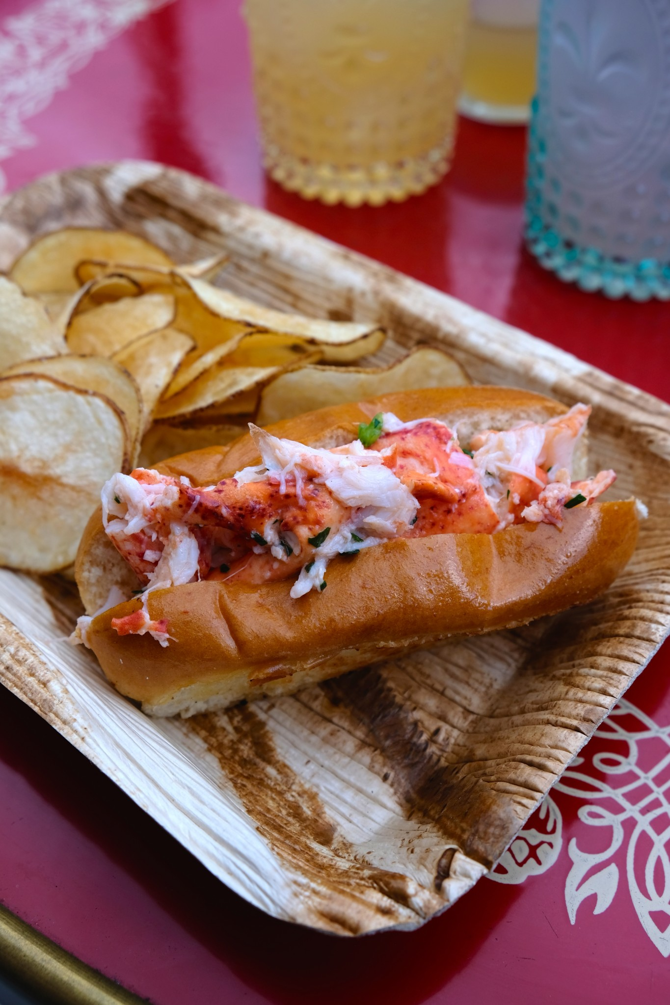 lobster roll, patio dining, fairmont copley plaza, oak long bar and kitchen, boston, the-alyst.com