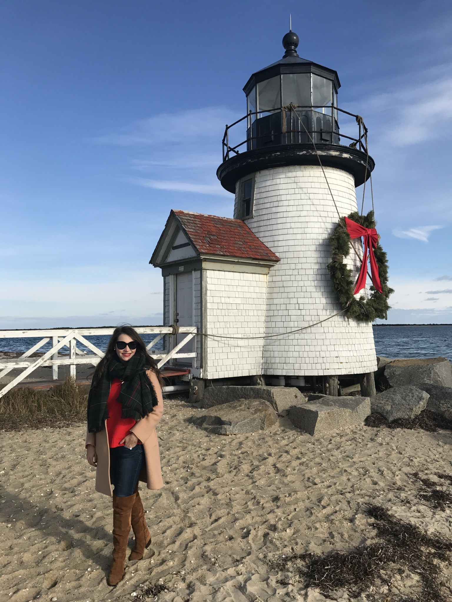christmas stroll, brant point lighthouse, nantucket, the-alyst.com