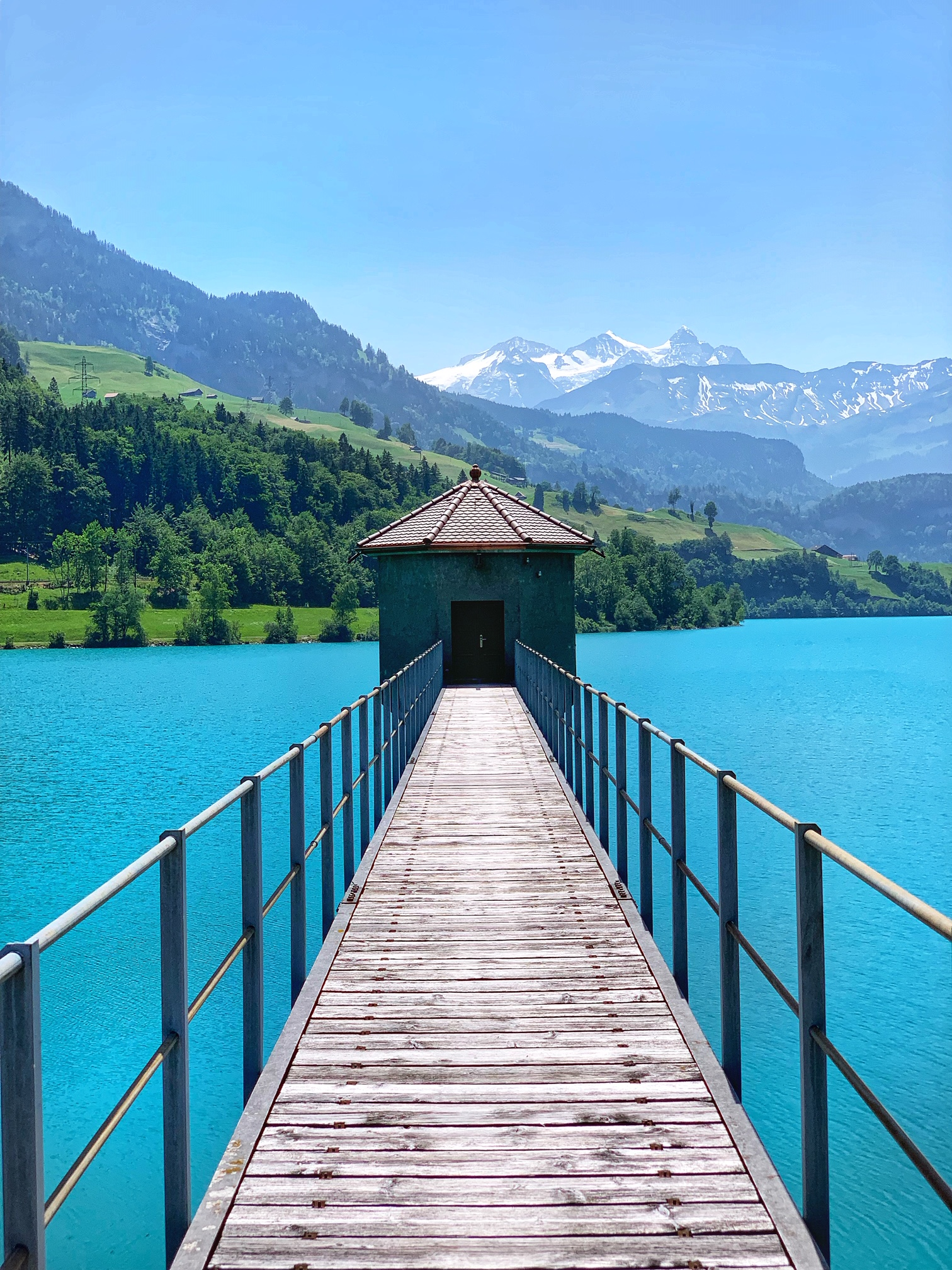 Lake Lungern, switzerland, the-alyst.com