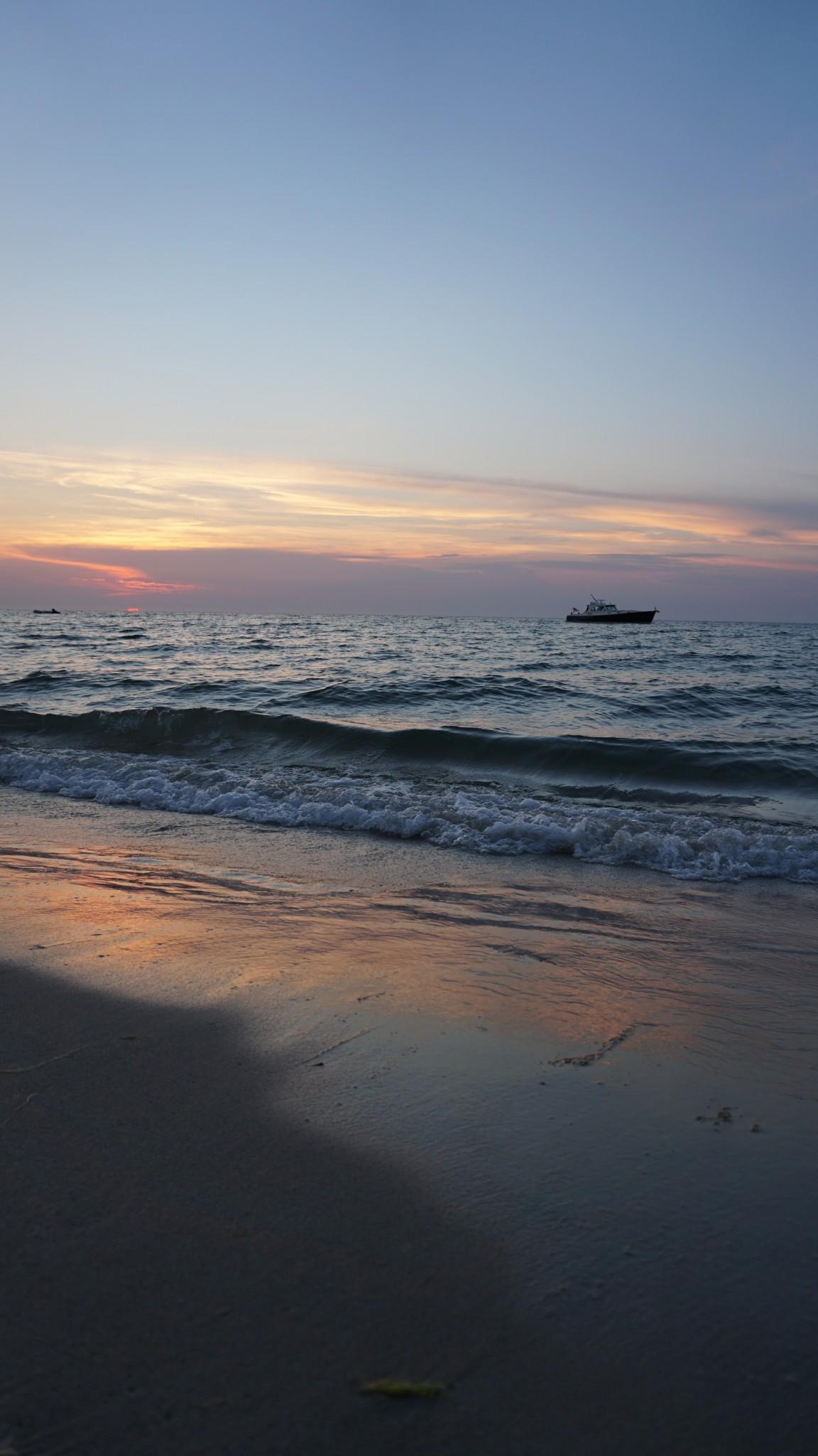 sunset galley beach, nantucket, the-alyst.com